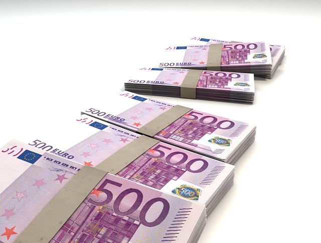 balíky euro bankovek