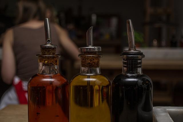 nádobky na oleje.jpg