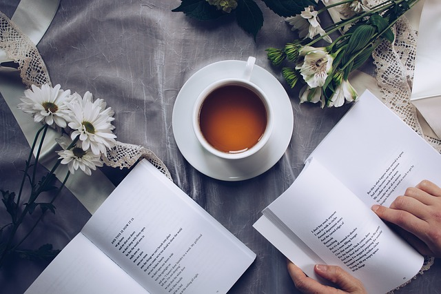 čaj u básní
