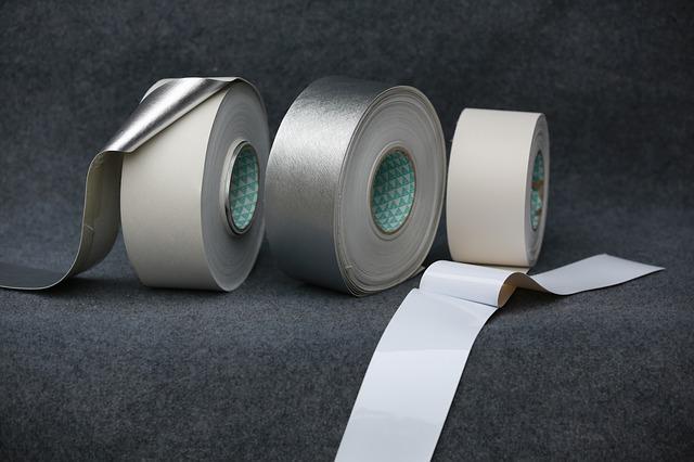 tři pásky
